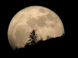 قمر در عقرب